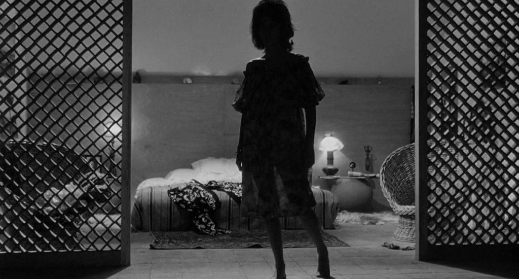 This image has an empty alt attribute; its file name is leclisse-actress-in-silhouette-stunner-1024x550.jpg