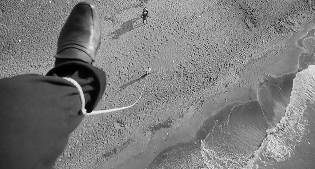 This image has an empty alt attribute; its file name is fellini-foot-in-8-1024x552.jpg