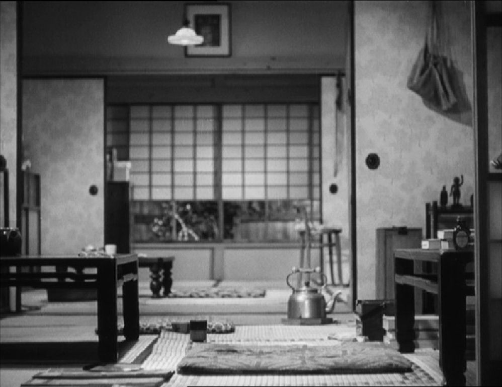 This image has an empty alt attribute; its file name is ozu-late-spring-interior-4.jpg