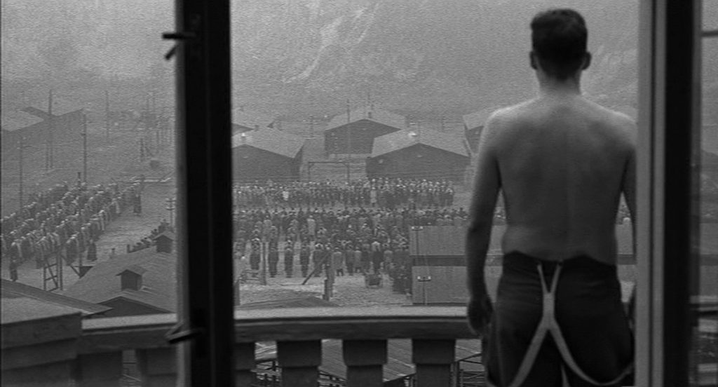 This image has an empty alt attribute; its file name is schindlers-list-images-spielberg-lasdkjflasdjf-1024x552.jpg