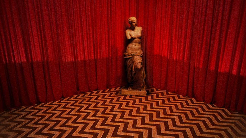 This image has an empty alt attribute; its file name is twin-peaks-fire-walk-with-2-lynch-1024x576.jpg
