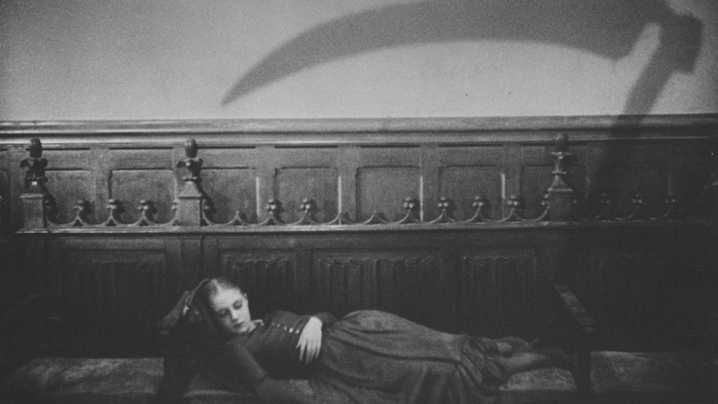 This image has an empty alt attribute; its file name is vampyr-dreyer-2-1024x576.jpg