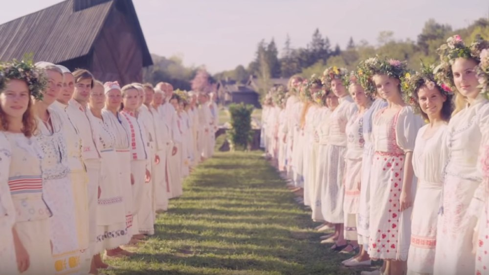 This image has an empty alt attribute; its file name is Midsommar-adjfdks.jpg