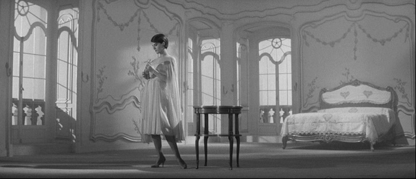 This image has an empty alt attribute; its file name is last-year-at-marienbad-232323.jpg