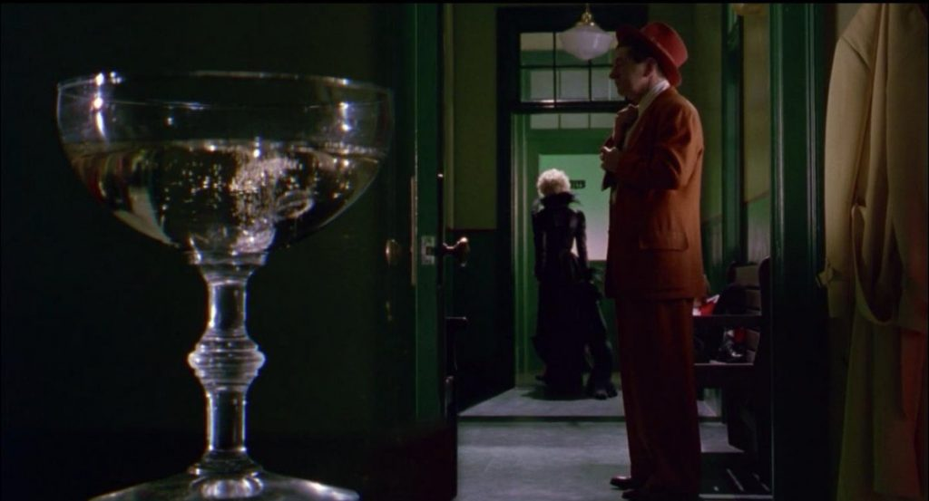 This image has an empty alt attribute; its file name is split-diopter-dick-tracy-lakjdfkla-warren-beatty-alsdfj-1024x553.jpg